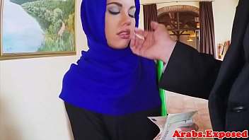Arabian muslim fucked in hijab before facial