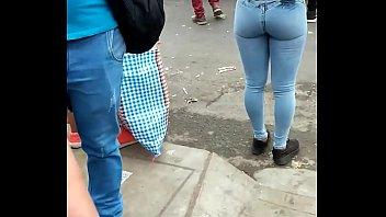 nintilde_a rico ass en jeans apretados