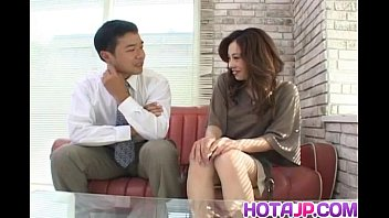 reina yoshii has cooter fondled and gargles device.