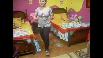irani girle scorching home dance -.
