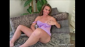 phat-titted skye fucktoys her poon
