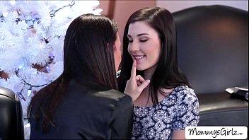 Cute teen Jenna lovely licks her mom RayVeness juicy pussy