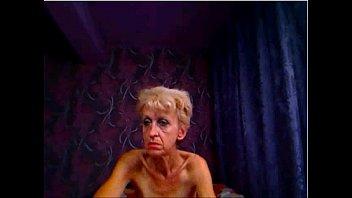 thin grannie frigs rump on web cam - sluttycamsnet