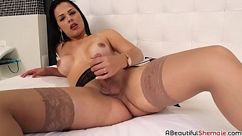 Hot brunette Bruna Castro doing a nice solo masturbation