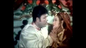 bangla supah-boning-hot song and garam masala.