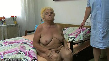 mature chick using faux penis on.