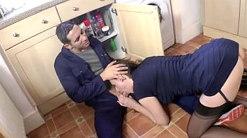 Watch mature british housewife clean the plumbers pipes