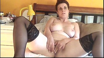 Hot MILF Solo Masturbation - freehotgirlscams.com