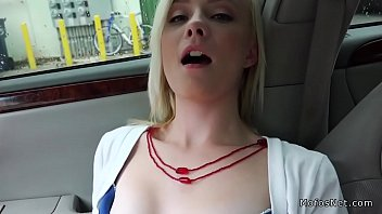 nubile hitchhiker fingerblasted and screwed in.