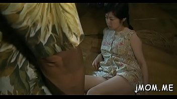 Enchanting mature gets on her knees and gives excellent blowjob