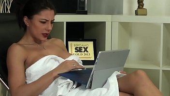 SOFIA CUCCI SQUIRTING SCHOOL-54