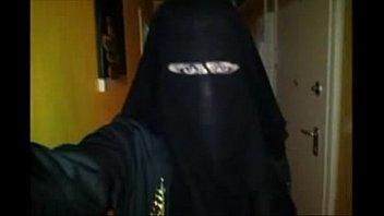 en niqab sans culotte