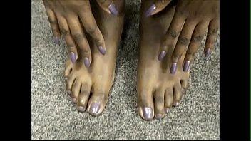 ms tee tee purple toenails
