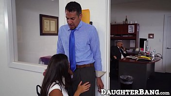 Office worker fucks with bosses teen daughter at work