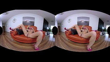 vrsexygirlzcom   warm cougar getting off in vr