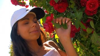 Czech teen Kiki18 masturbating in beautiful rose garden