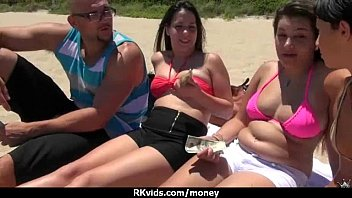inexperienced dame enjoys to blow dick for currency six