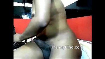 ebony t-girl tugging