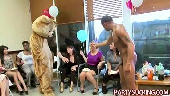 Amateur Party Ladies Suck Dick