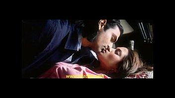riya sen molten kiss2