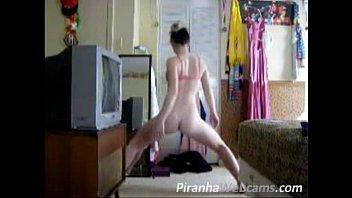 Hot Teen dacing and Masturbating Live on Webcam
