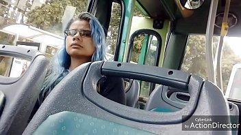 mirona en el bus