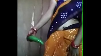 desi aunty frolicking with cucumber