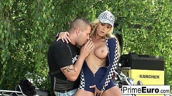 blond gets her raw vulva drilled