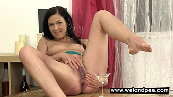 Squirty Anne squirts some hot piss