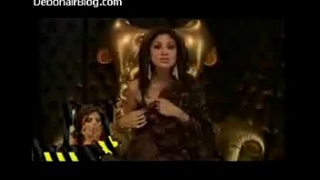 shilpa shetty immense brother-in-law cleavage showcase