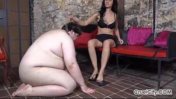 Fat Slave Worships Enza'_s Pretty Bare Feet!