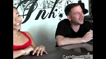 Amateur Beauty Flashing And Finger Banging Herself At Stunt