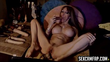 cougar smashes her culo with faux.