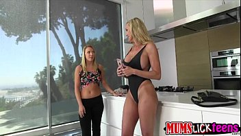 sugary lezzies brandi love and cali.