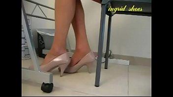 Cams4free.net - Secretary Shoeplay Under Desk