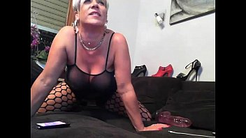 hot mature babe on cam - hotcam-girls.com