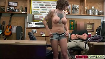 Big tits Tattooed babe Harlow Harrisong fucks in the office