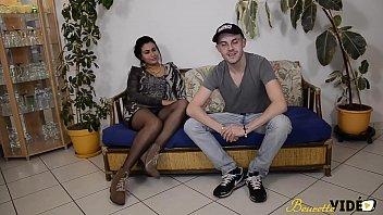 laoura la tunisienne decouvre le porn inexperienced avec.