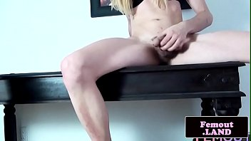 tatted she-masculine jacking her dinky