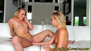 lesbos coochie spurting