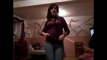 Sonia desi girl nude dance in bra