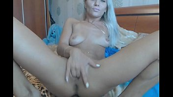 hot blonde babe on camshow - hotcam-girls.com