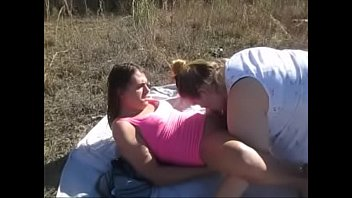 Girls Cum Swap With Sadee Outside After Anal Sex With Cum Swap Swallow