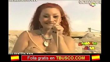 Aramis Fuster Madura ense&ntilde_a las tetas